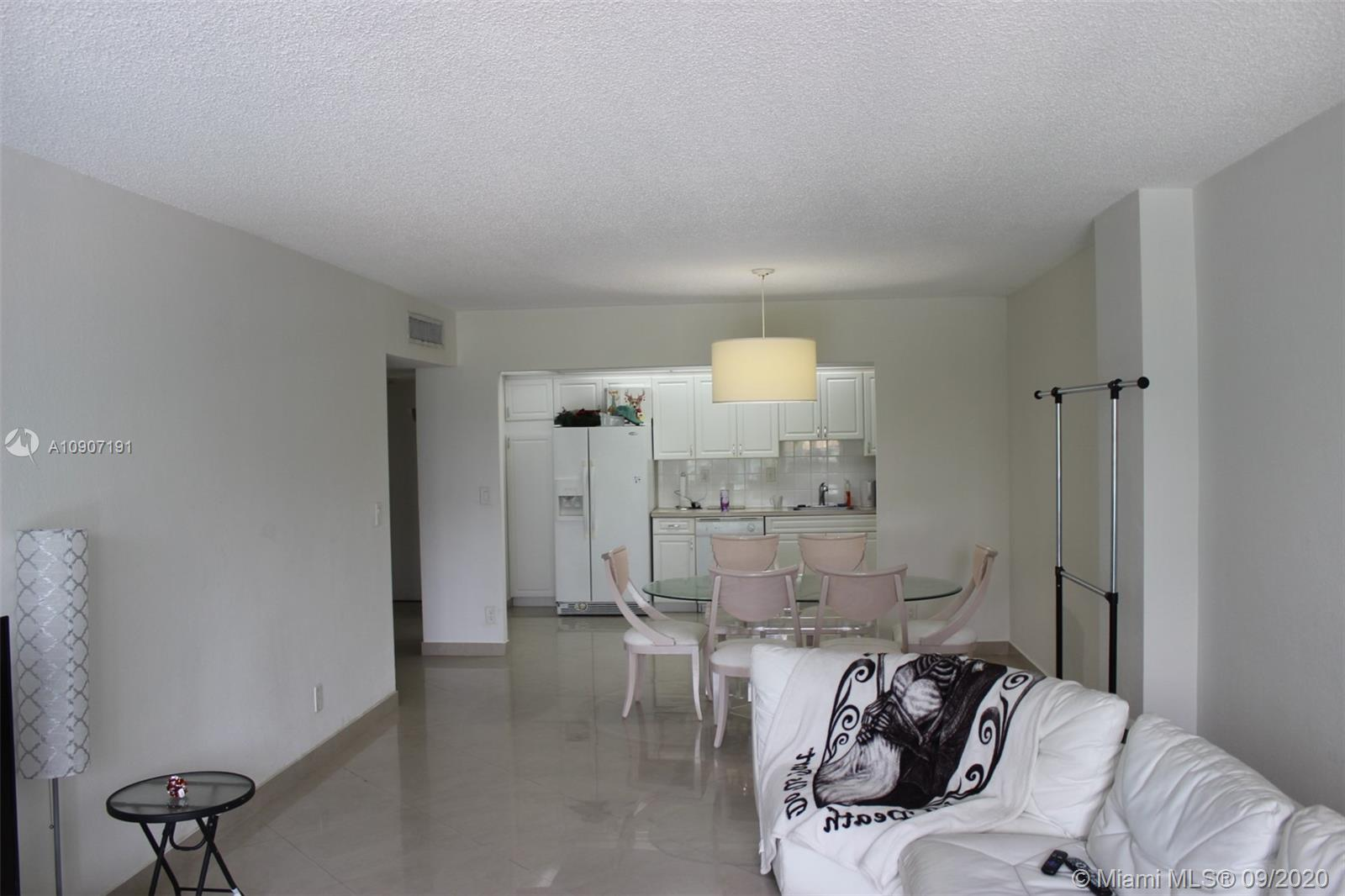 19390 Collins Ave #209 photo08