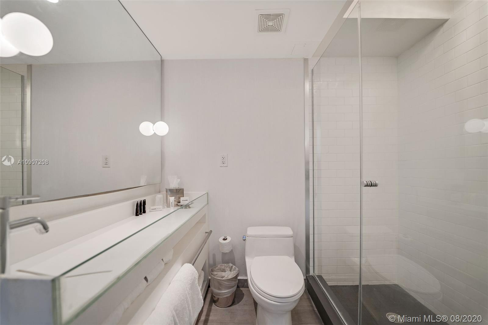Photo of 1100 West Ave #917 listing for Sale