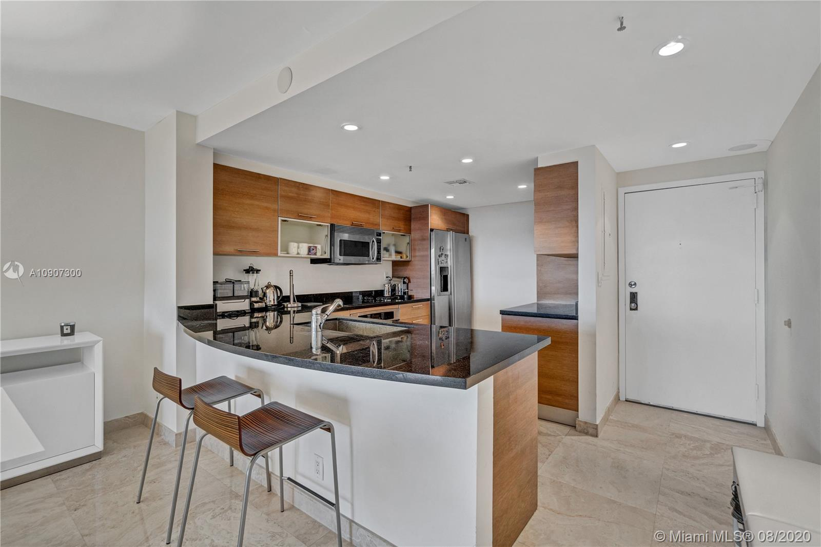 2625 Collins Ave #1808 photo02