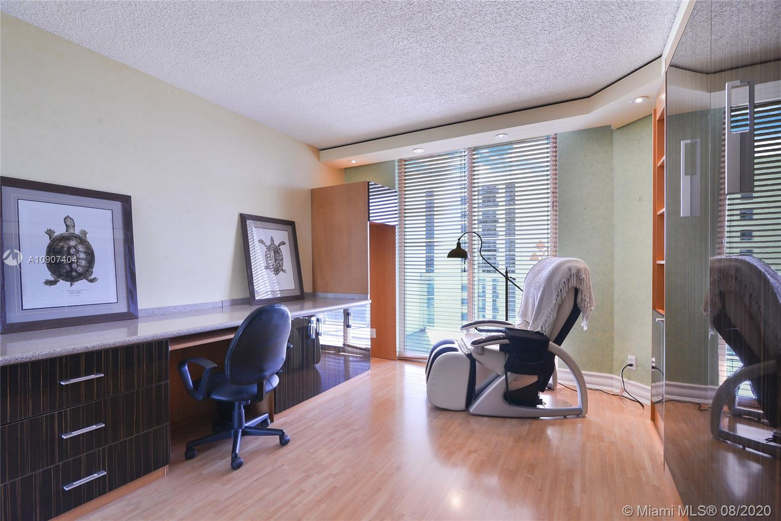 16425 Collins Ave #1018 photo09