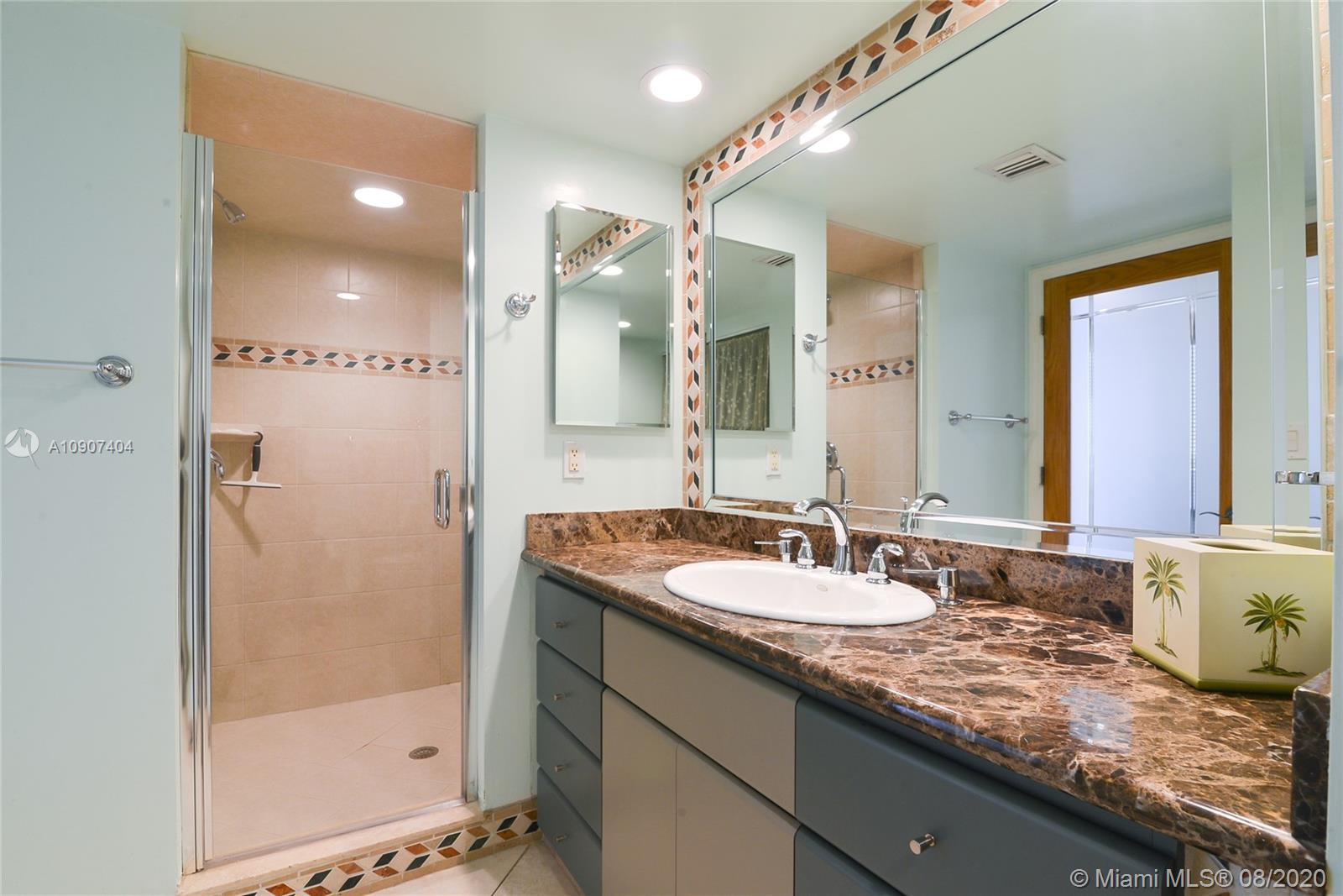 16425 Collins Ave #1018 photo08