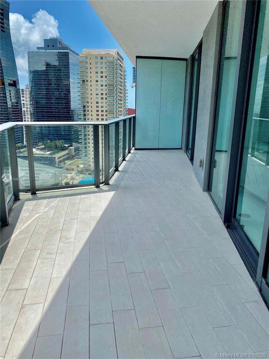 SLS Brickell #2401 photo18