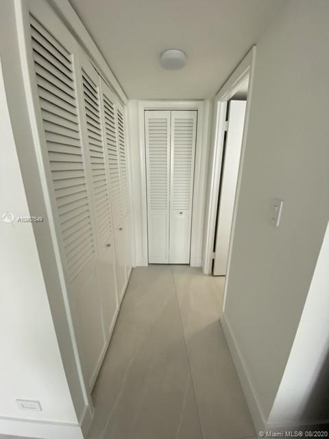 6039 Collins Ave #734 photo02