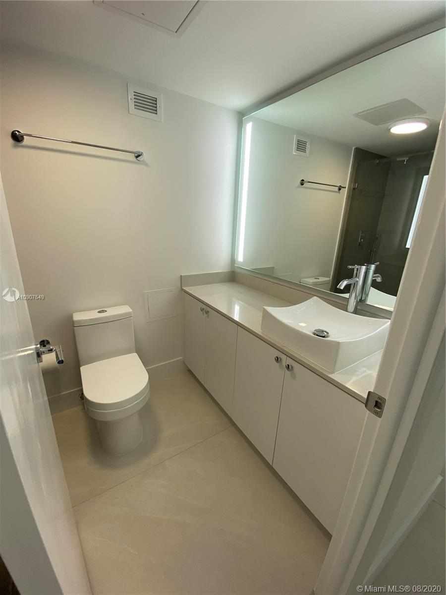 6039 Collins Ave #734 photo07