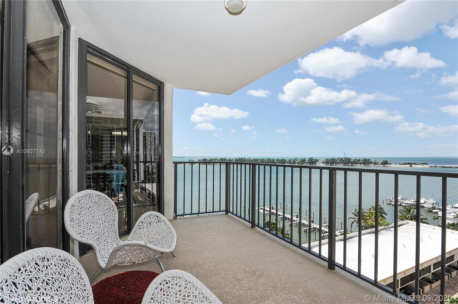 Brickell Place #A1111 photo01