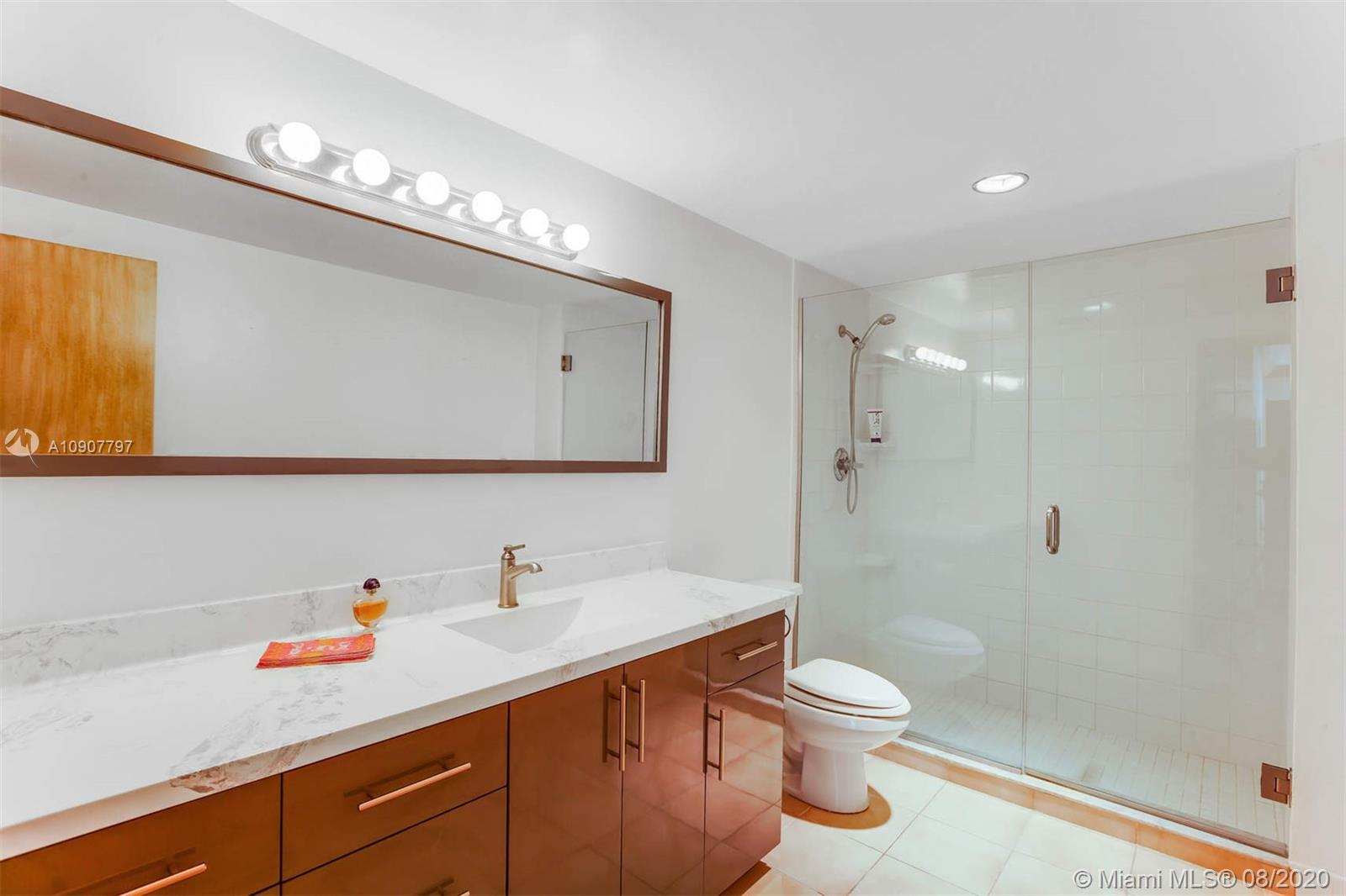 5825 Collins Ave #11F photo07