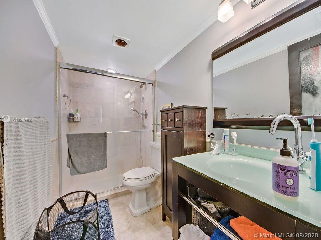 8777 Collins Ave #610 photo08