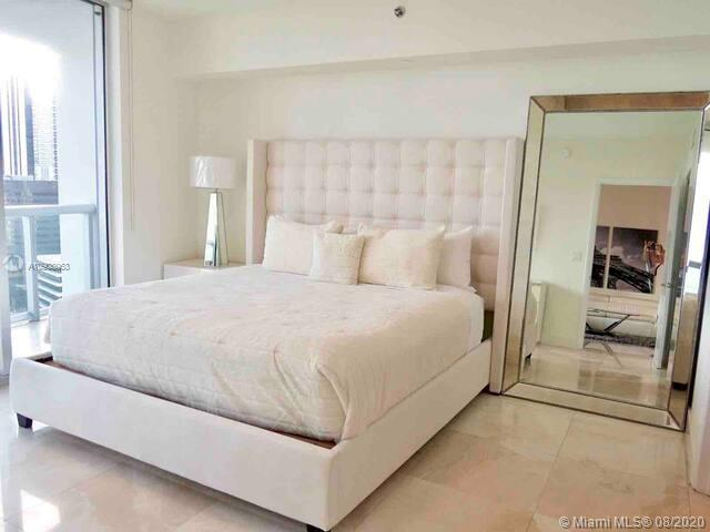 Photo of 485 Brickell Ave #2209 listing for Sale