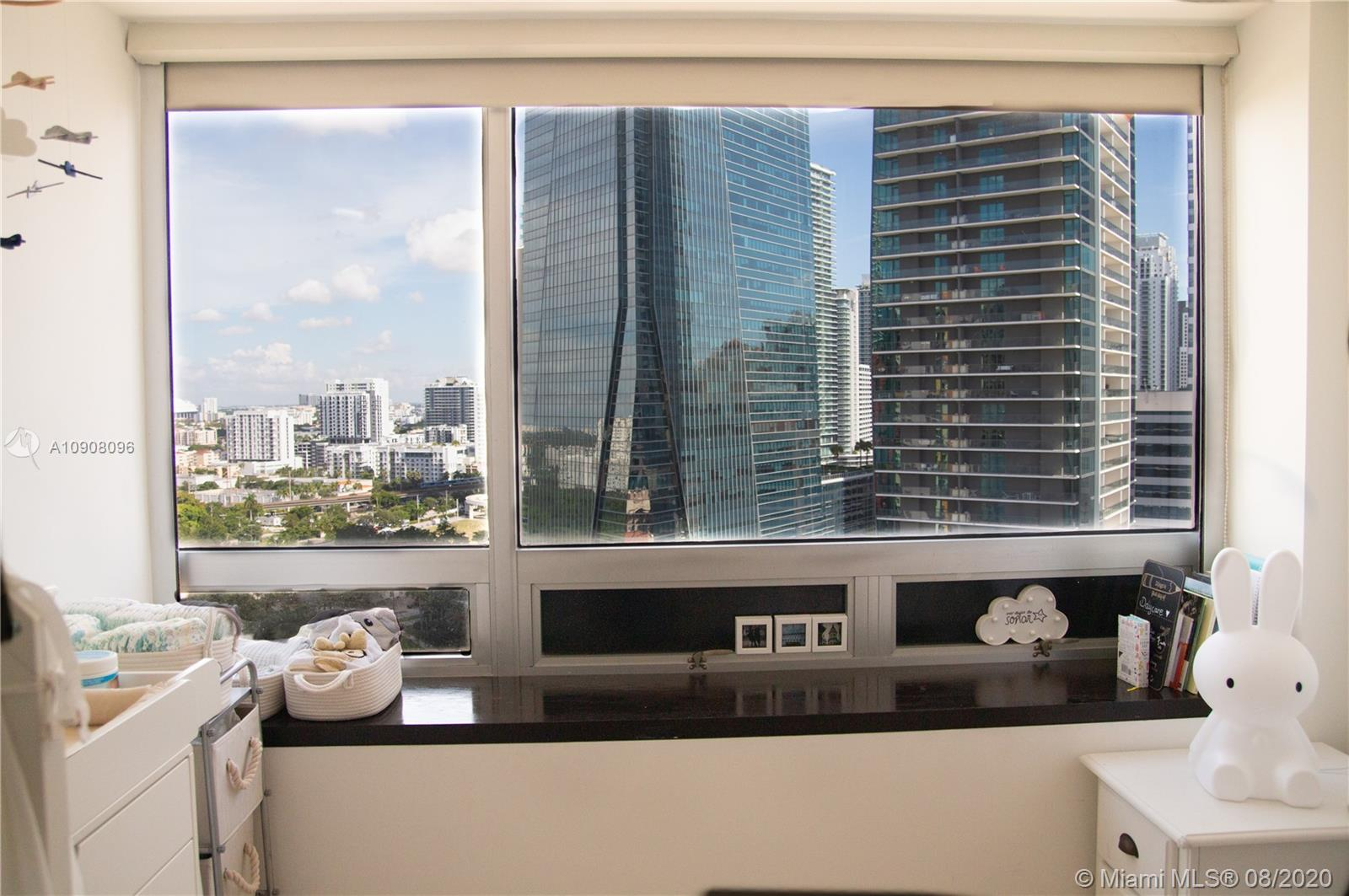 1541 Brickell #C2305 photo010