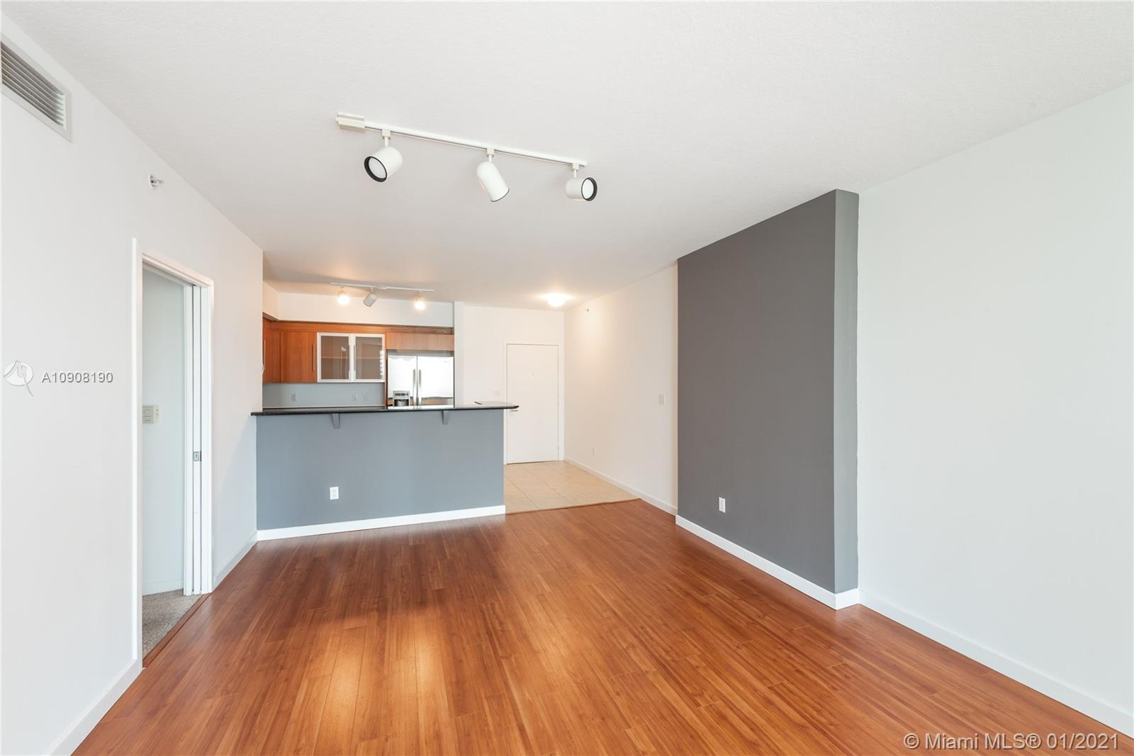 Photo of 325 S Biscayne Blvd #615 listing for Sale