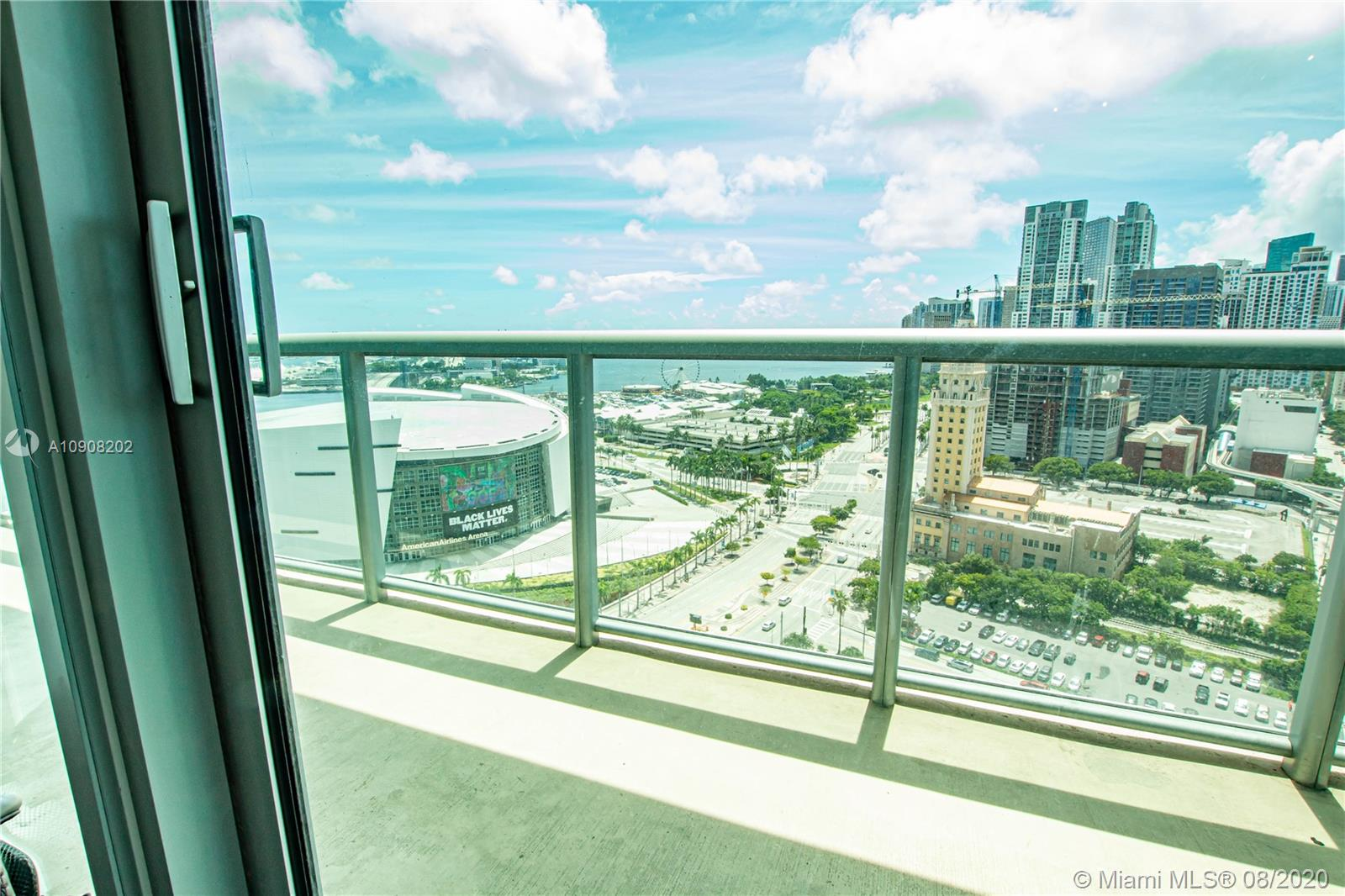 888 Biscayne Blvd #2201 photo08