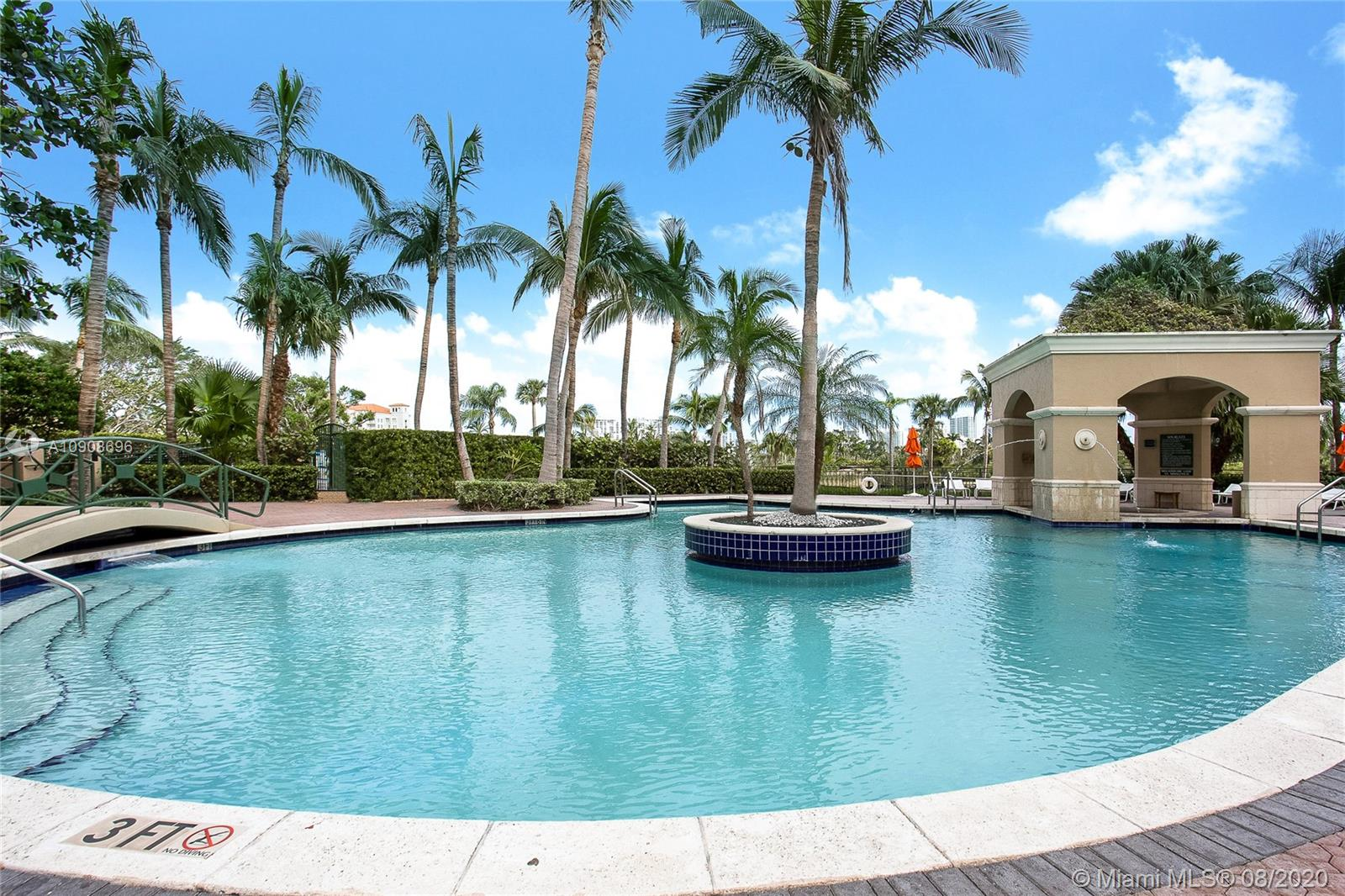 Photo of 19501 W Country Club Dr #2207 listing for Sale