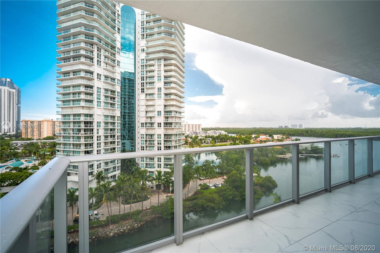 Photo of 330 Sunny Isles Blvd #5-902 listing for Sale