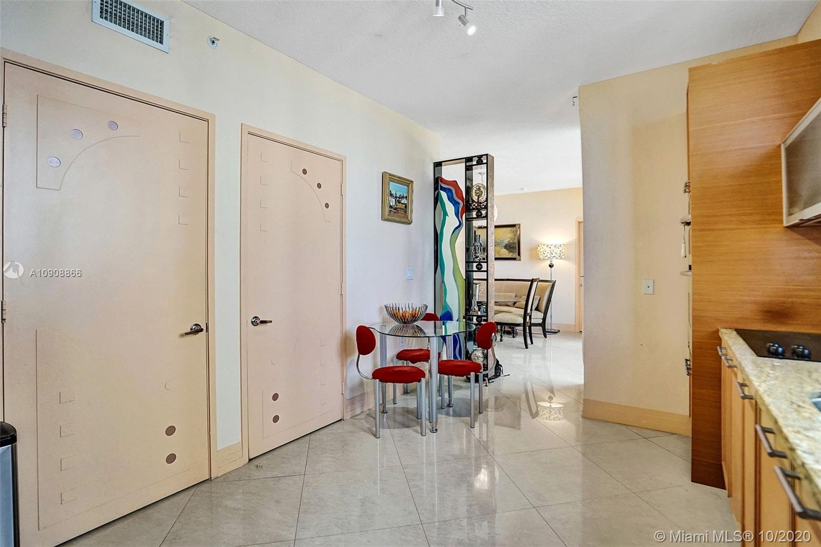 16275 Collins Ave #602 photo022