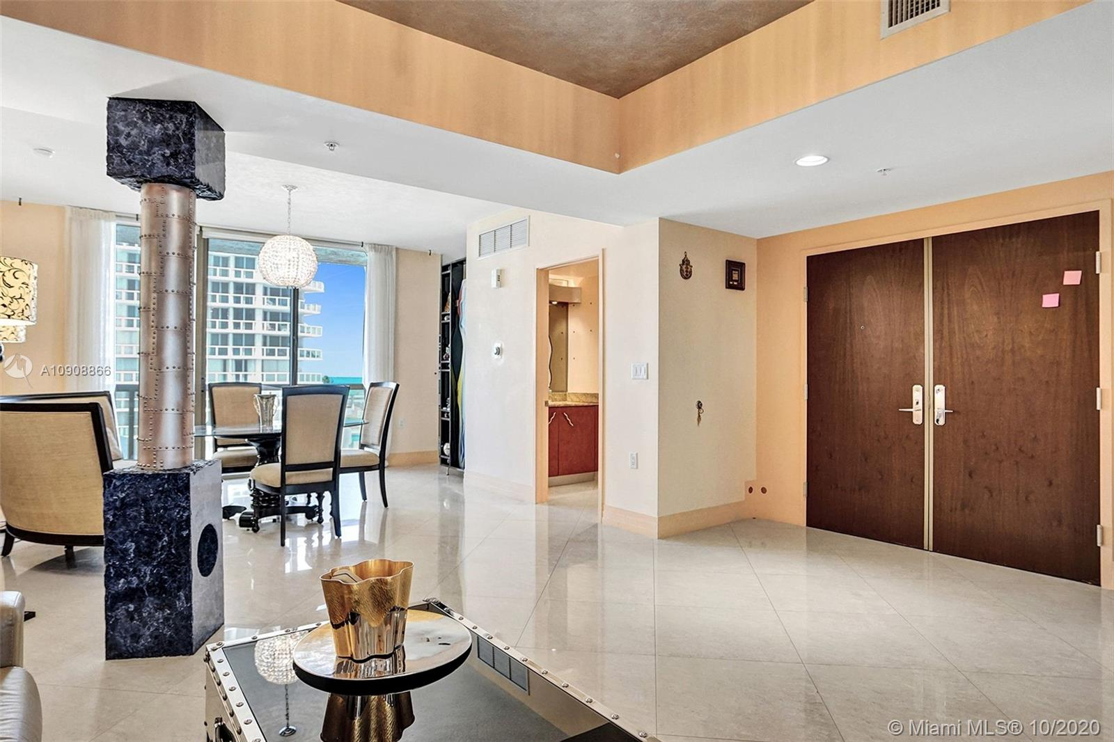 16275 Collins Ave #602 photo07