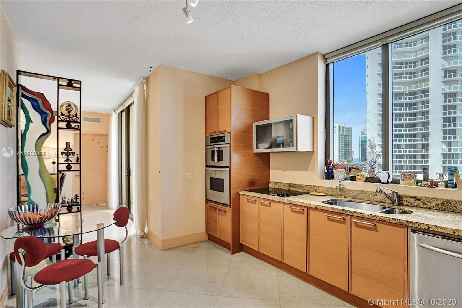 16275 Collins Ave #602 photo020
