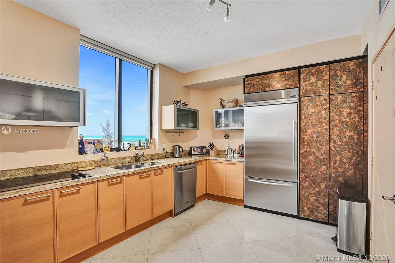 16275 Collins Ave #602 photo050