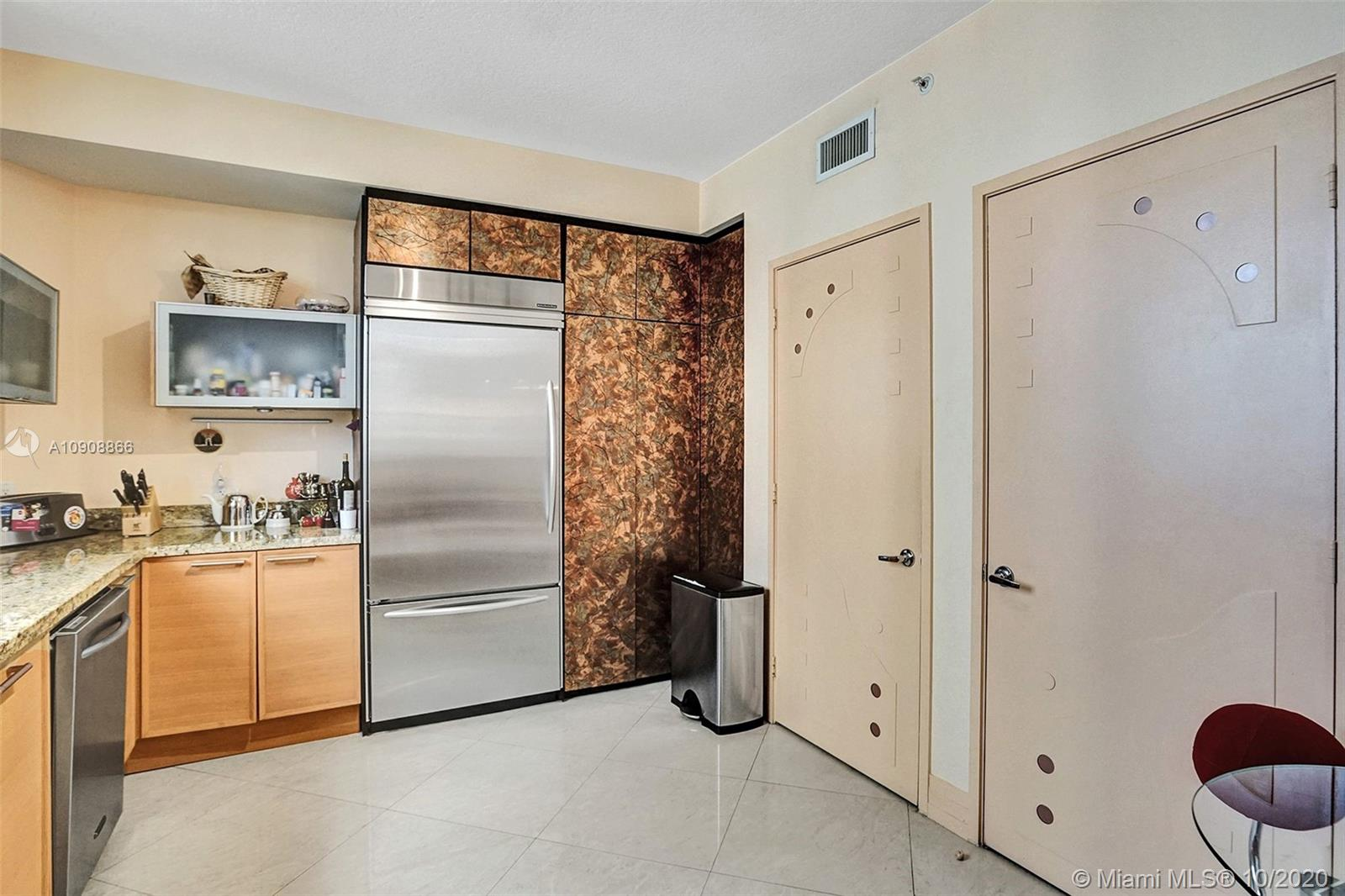 16275 Collins Ave #602 photo019