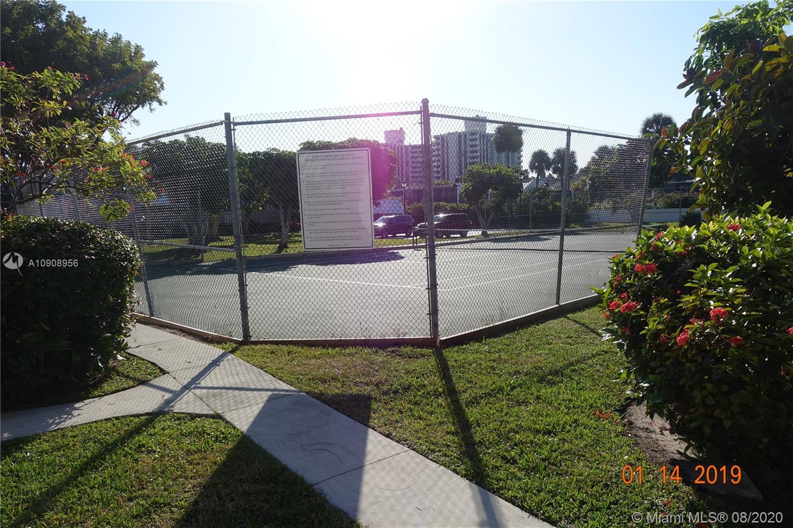 Cape Florida Club #312 photo11