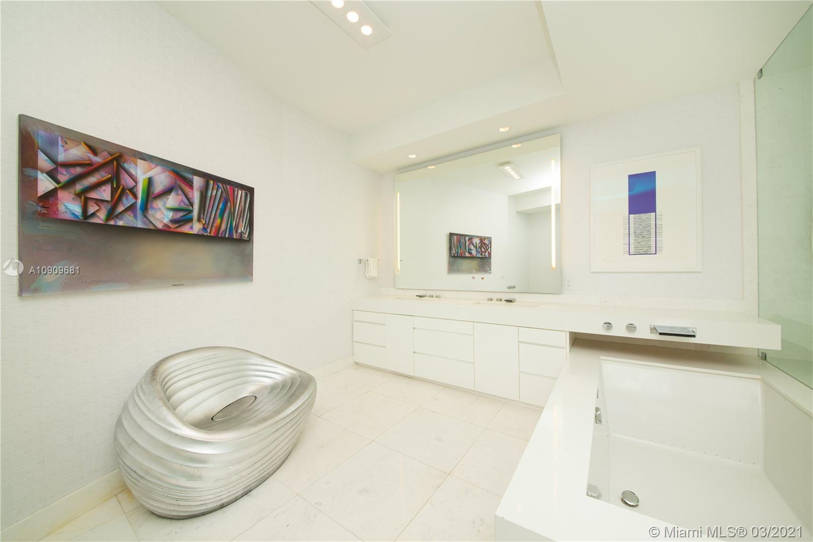 18555 Collins Ave #3403 photo013