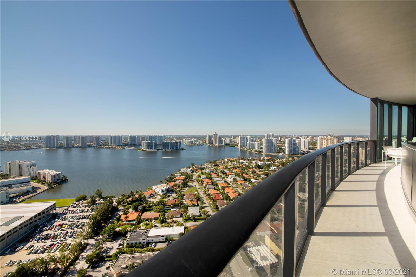 18555 Collins Ave #3403 photo020