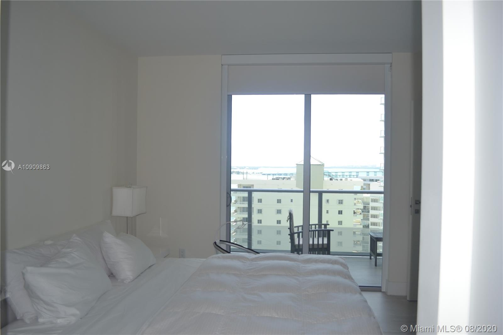 1300 Brickell Bay Dr #1708 photo013