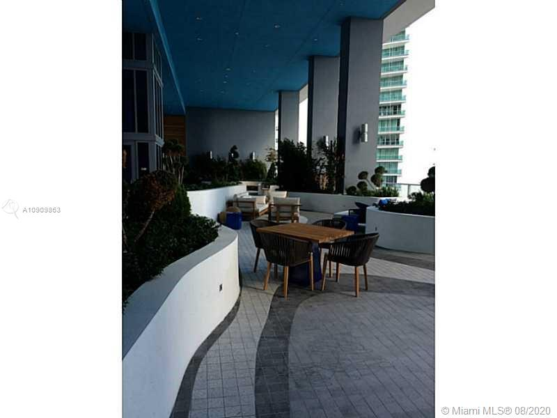 1300 Brickell Bay Dr #1708 photo022