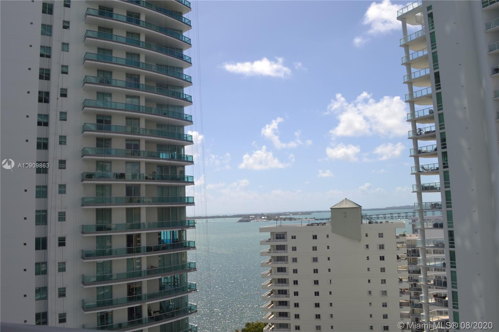 1300 Brickell Bay Dr #1708 photo01