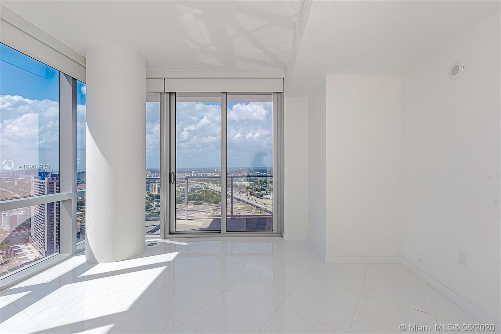 Paramount Miami Worldcenter #1702 photo17