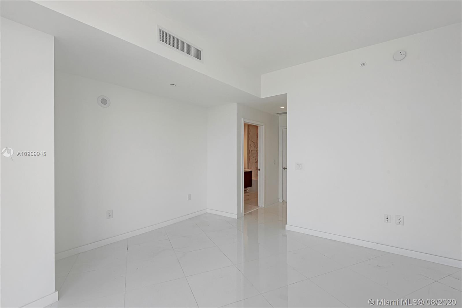 Paramount Miami Worldcenter #1702 photo20