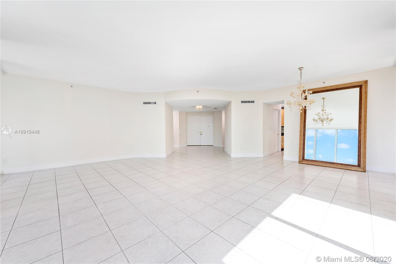 300 S Pointe Dr #1801 photo019