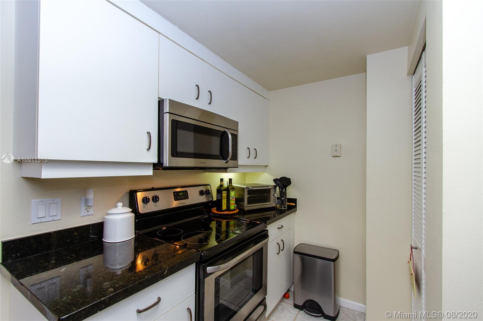 701 Brickell Key Blvd #1505 photo06