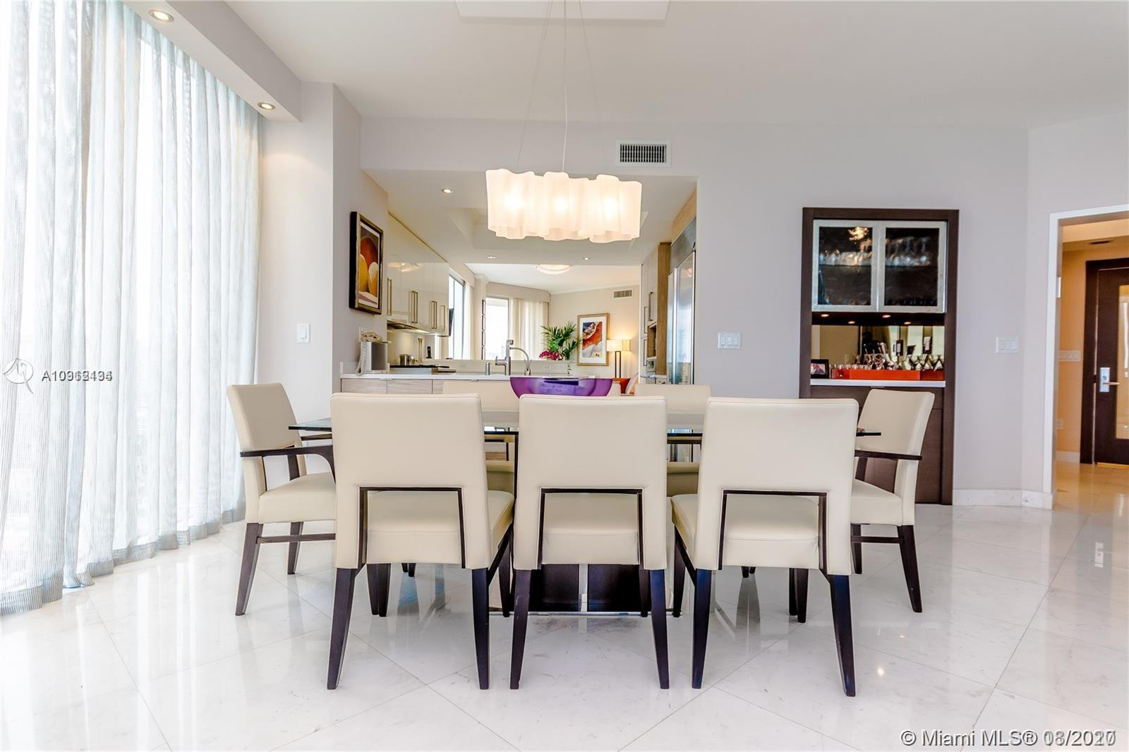 17875 Collins Ave #1606 photo09