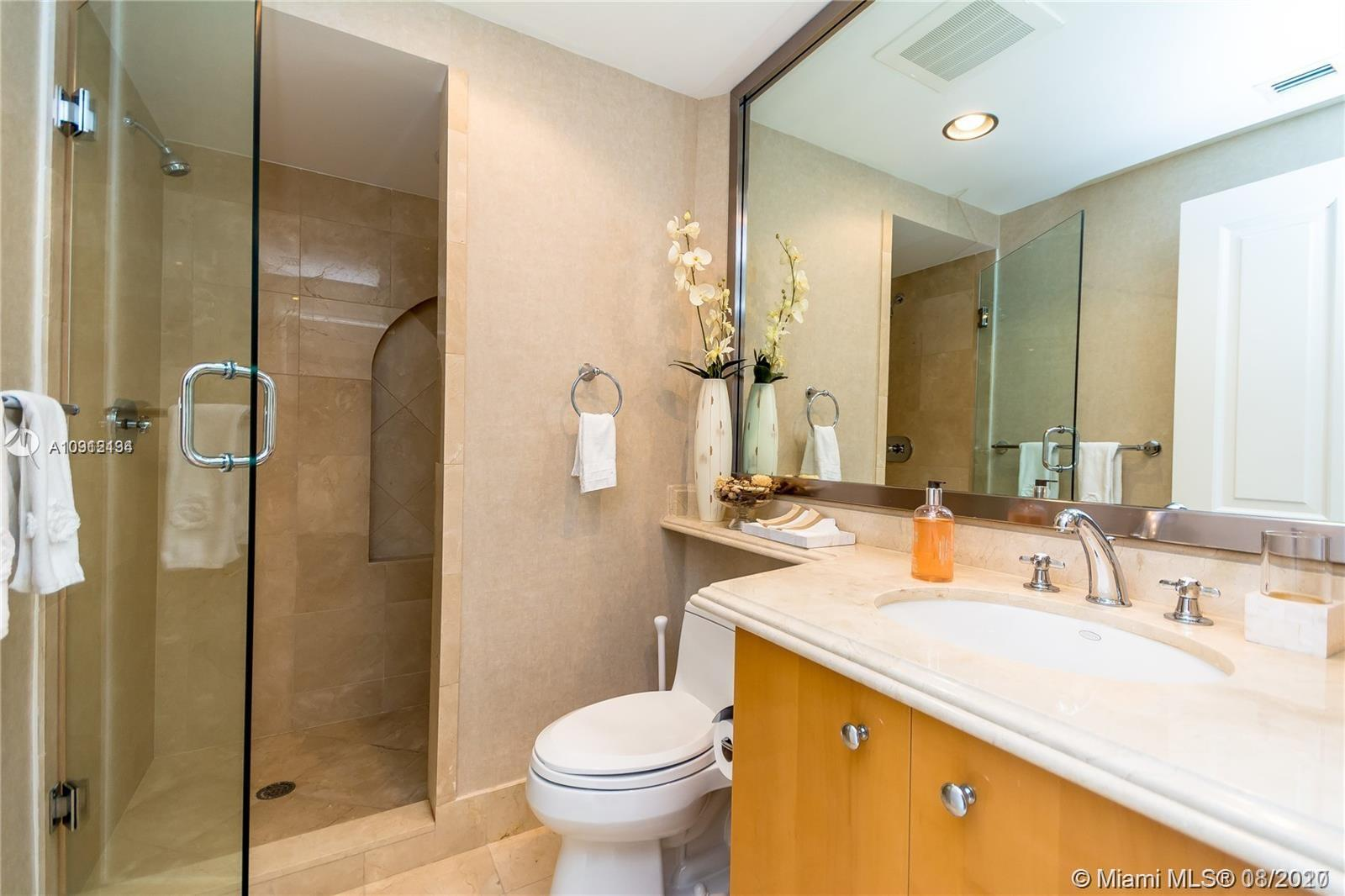 17875 Collins Ave #1606 photo049