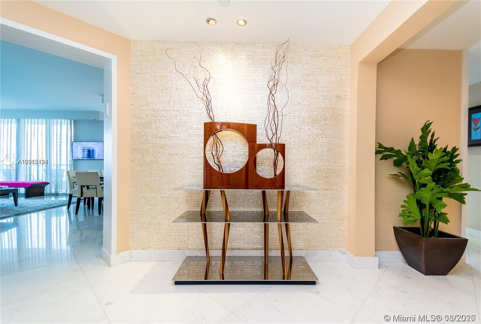 17875 Collins Ave #1606 photo04