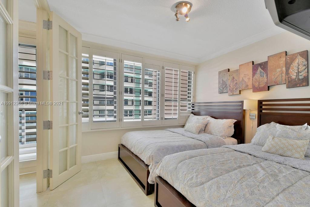 5225 Collins Ave #914 photo024
