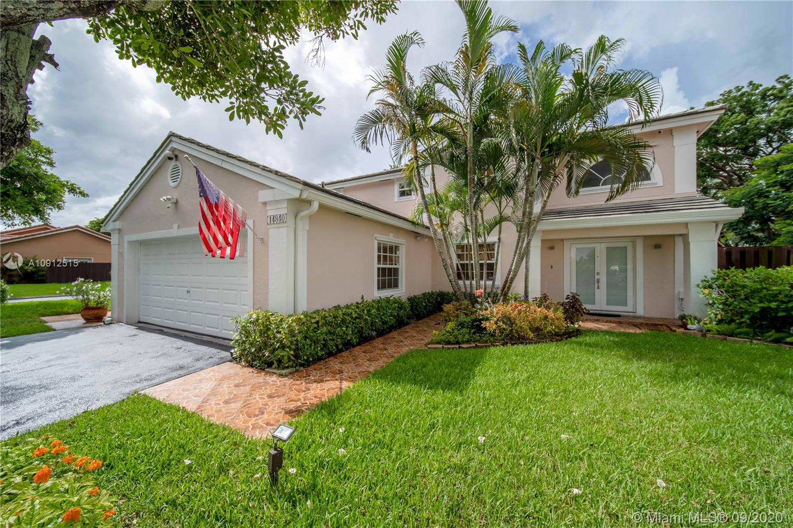 Lakes Of The Meadow - 14840 SW 46th Ln, Miami, FL 33185