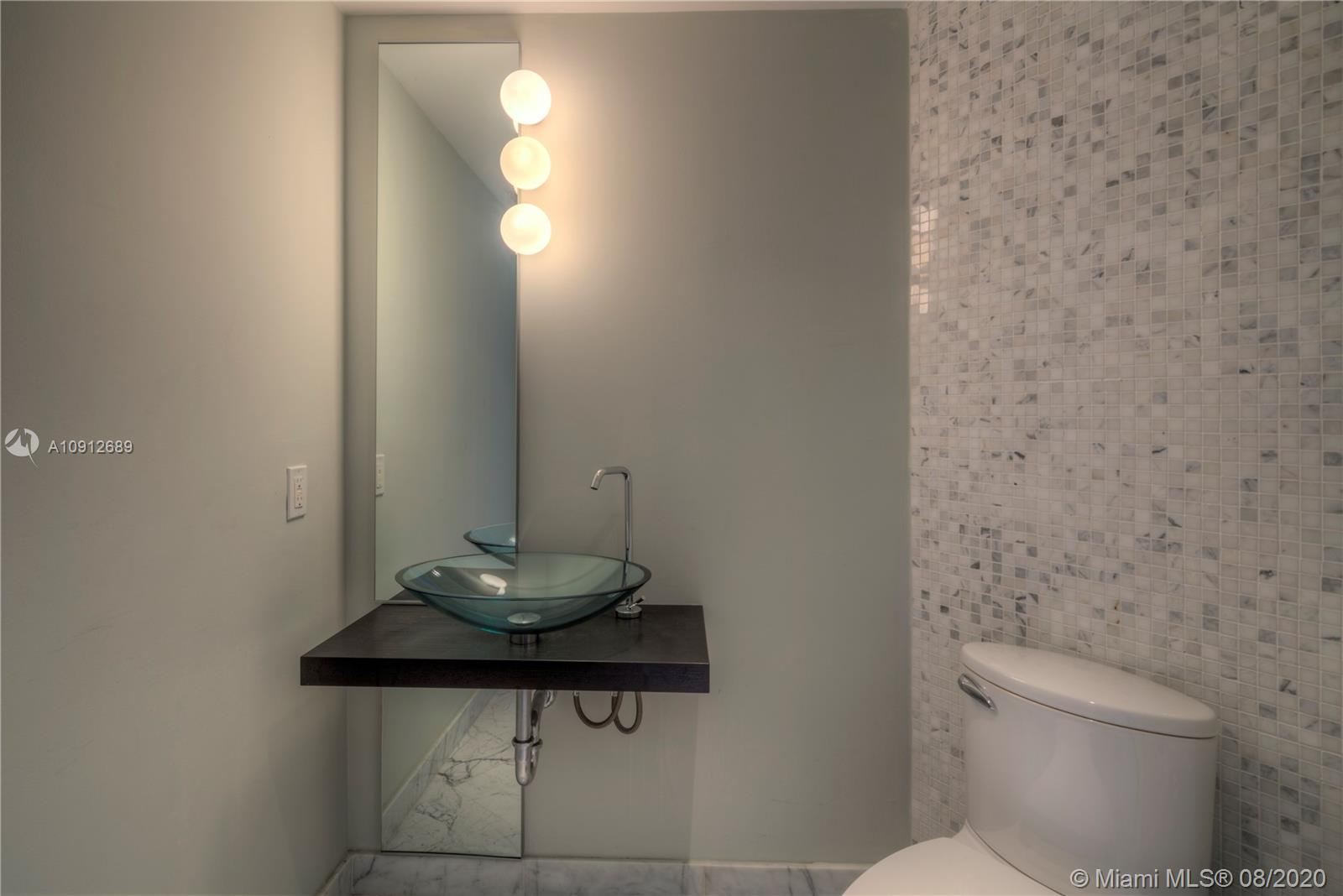 Photo of 200 Biscayne Boulevard Way #4102 listing for Sale