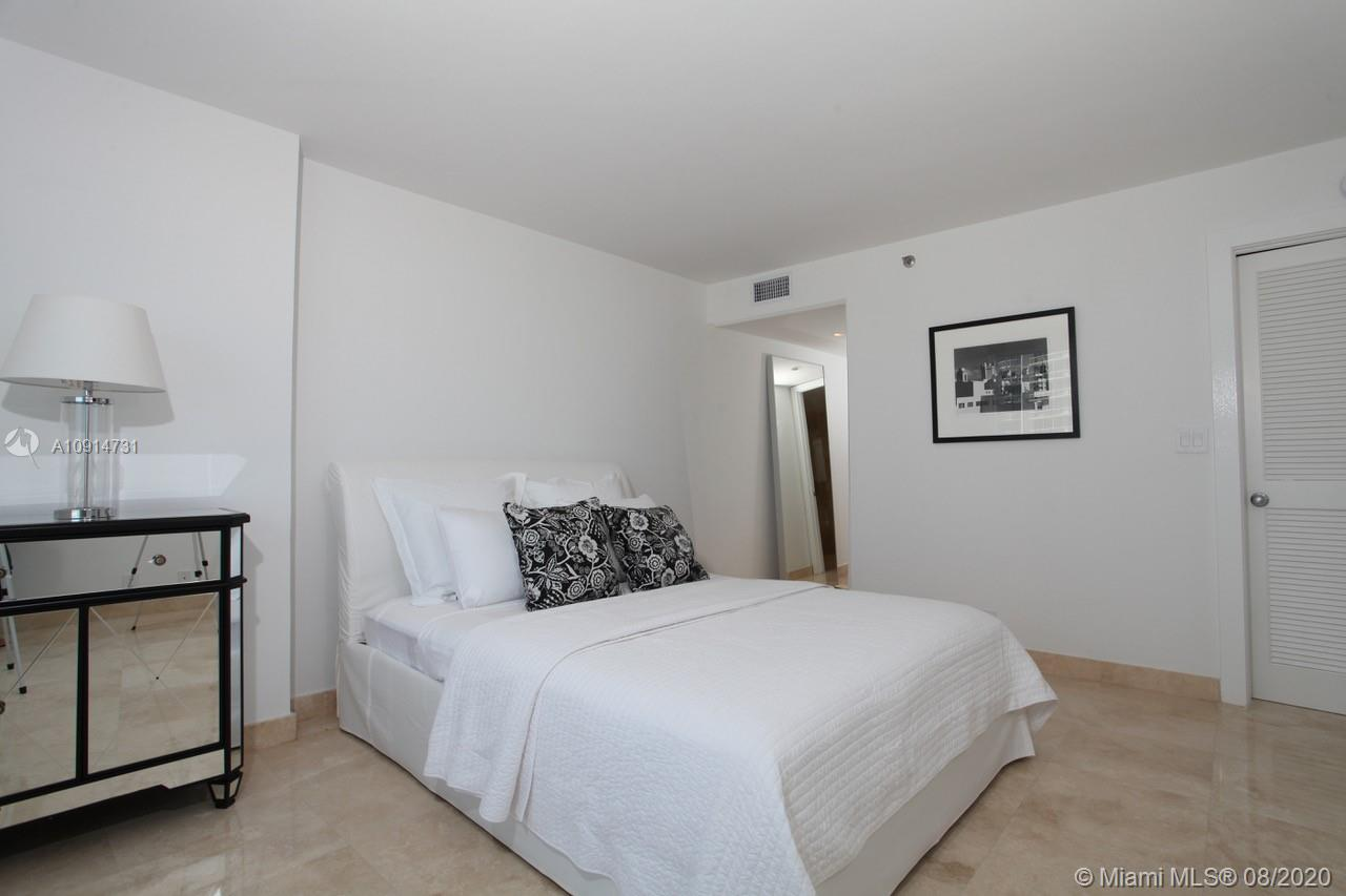 400 S Pointe Dr #1408 photo08