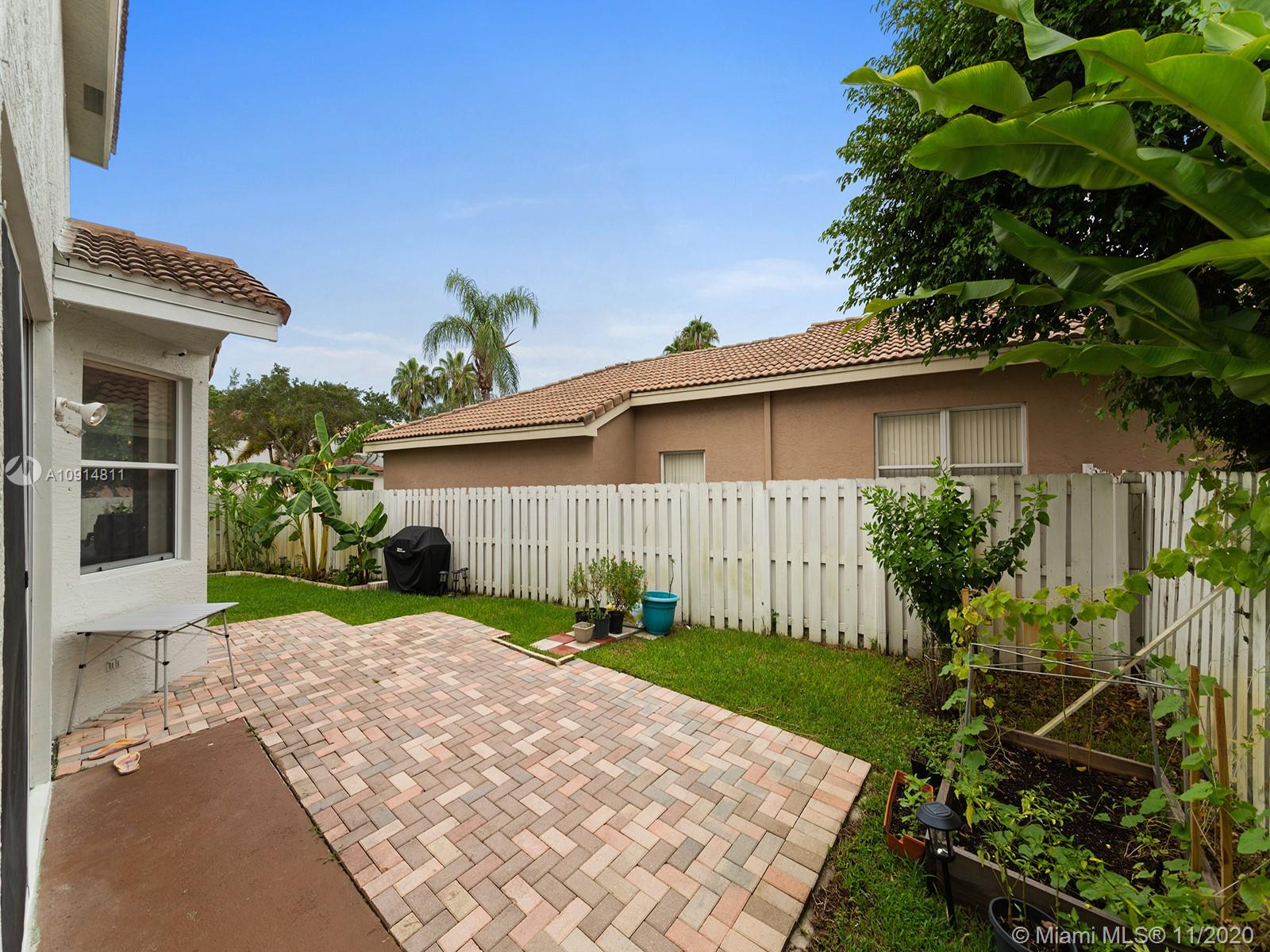 2094 SW 158th Ave photo010
