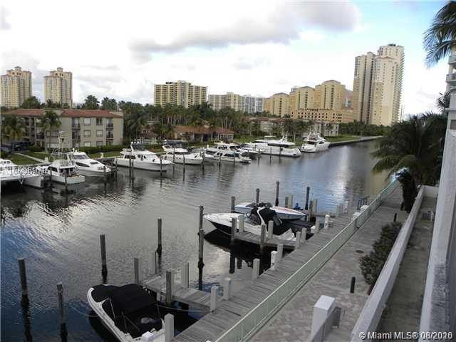 Uptown Marina Lofts #303 photo02