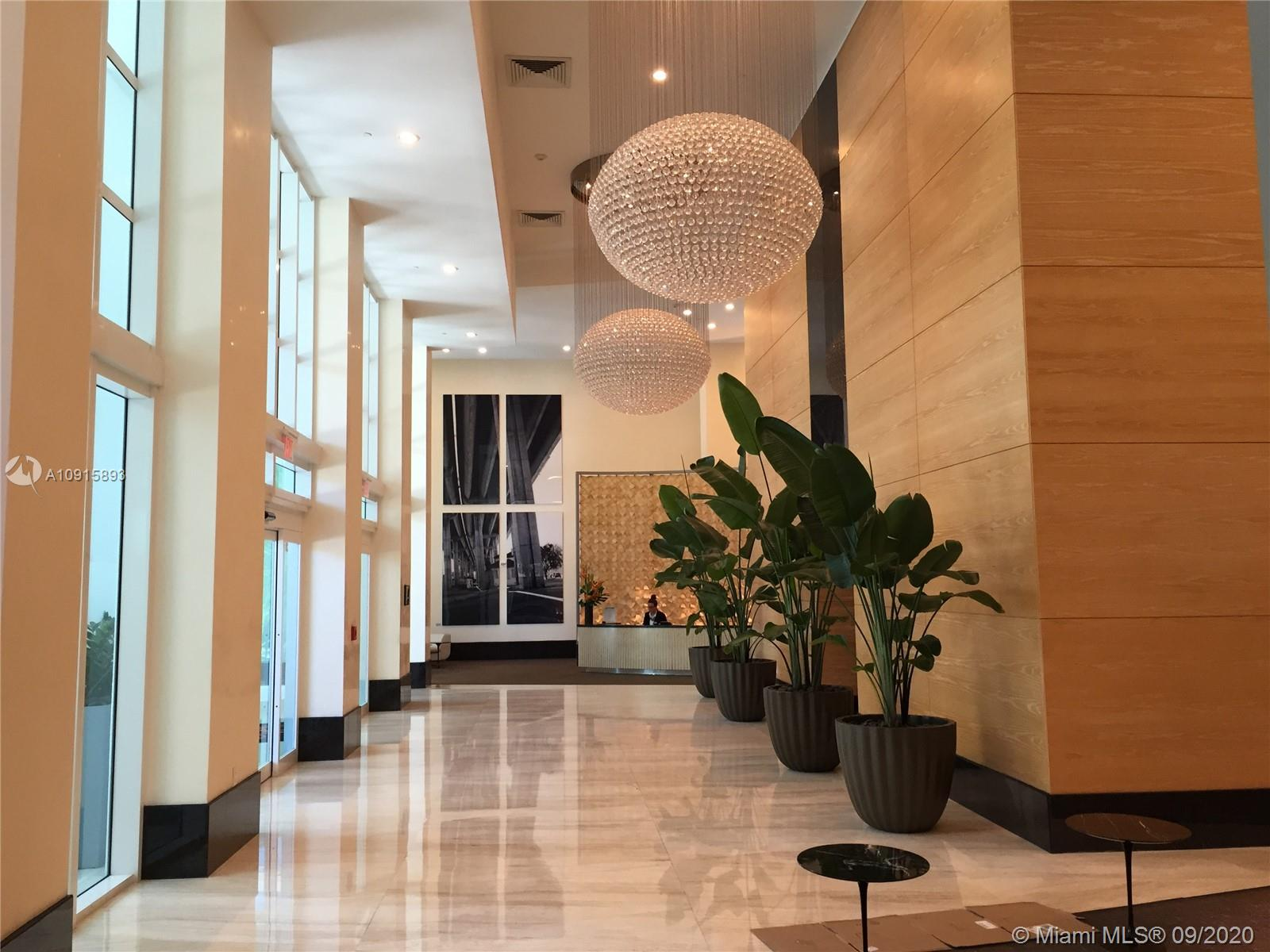 Photo of 950 Brickell Bay Dr #1800 listing for Sale