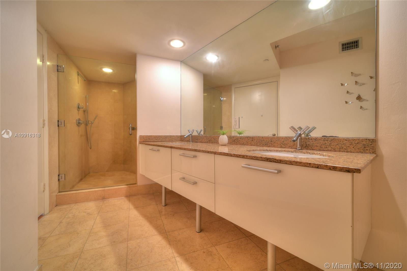 17201 Collins Ave #1609 photo020