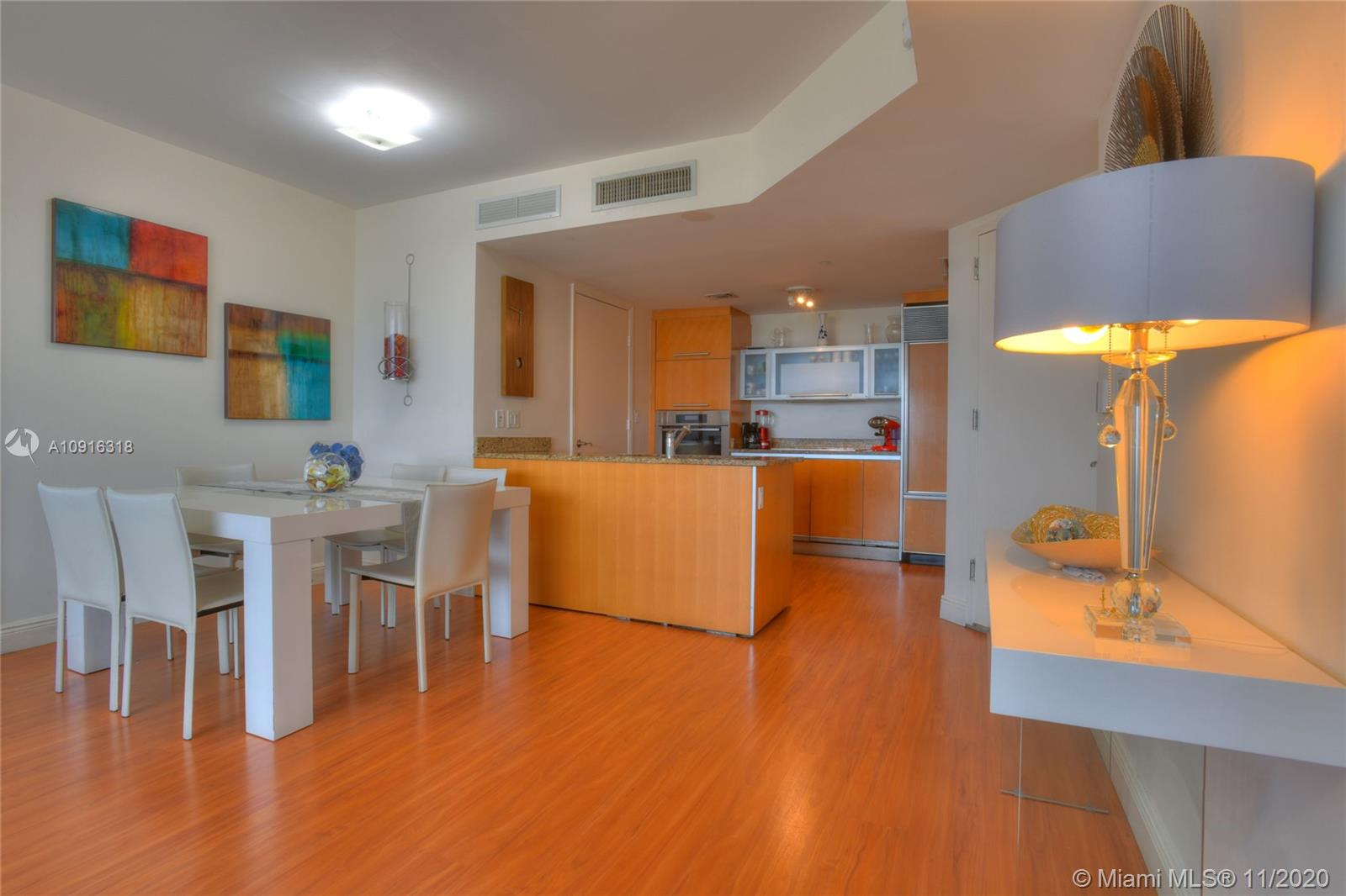 17201 Collins Ave #1609 photo09