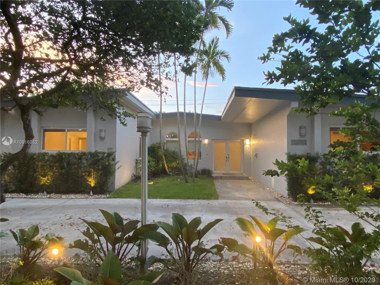 Highland Lakes - 2085 NE 204th St, Miami, FL 33179