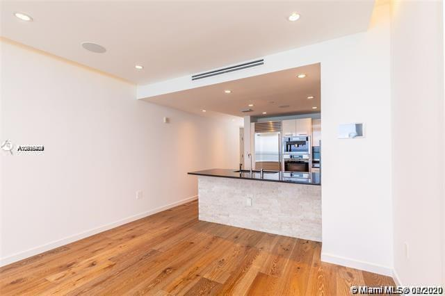 17121 Collins Ave #1507 photo06