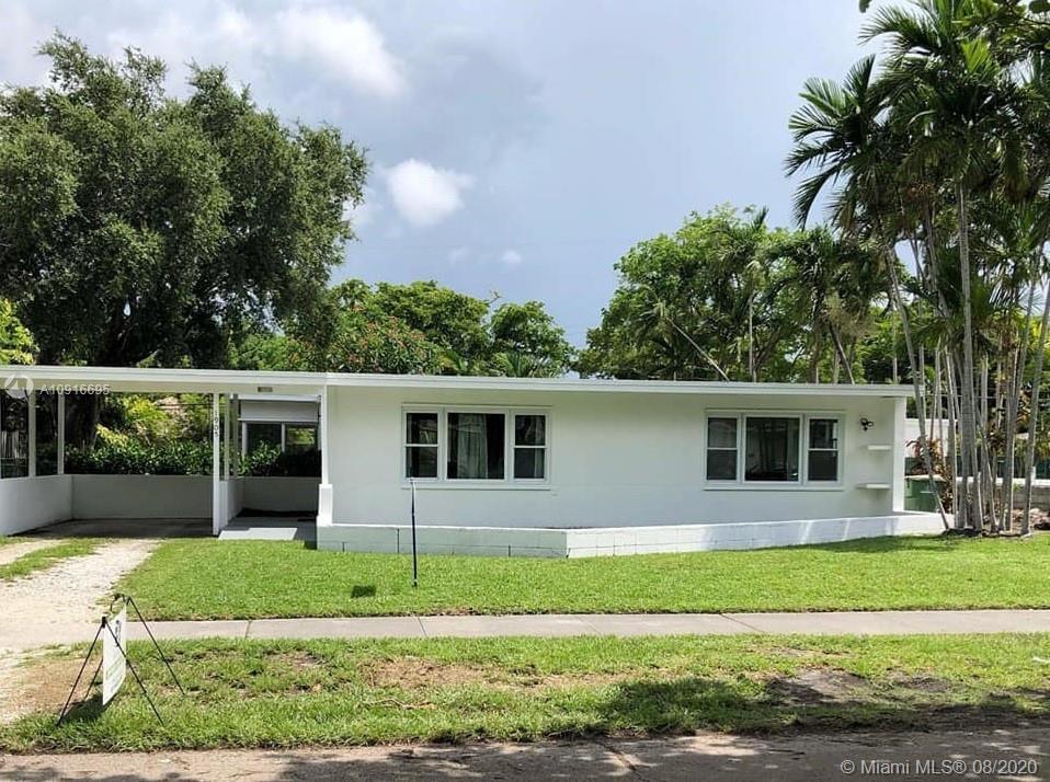 Photo - 1905 Alamanda Dr, North Miami FL 33181