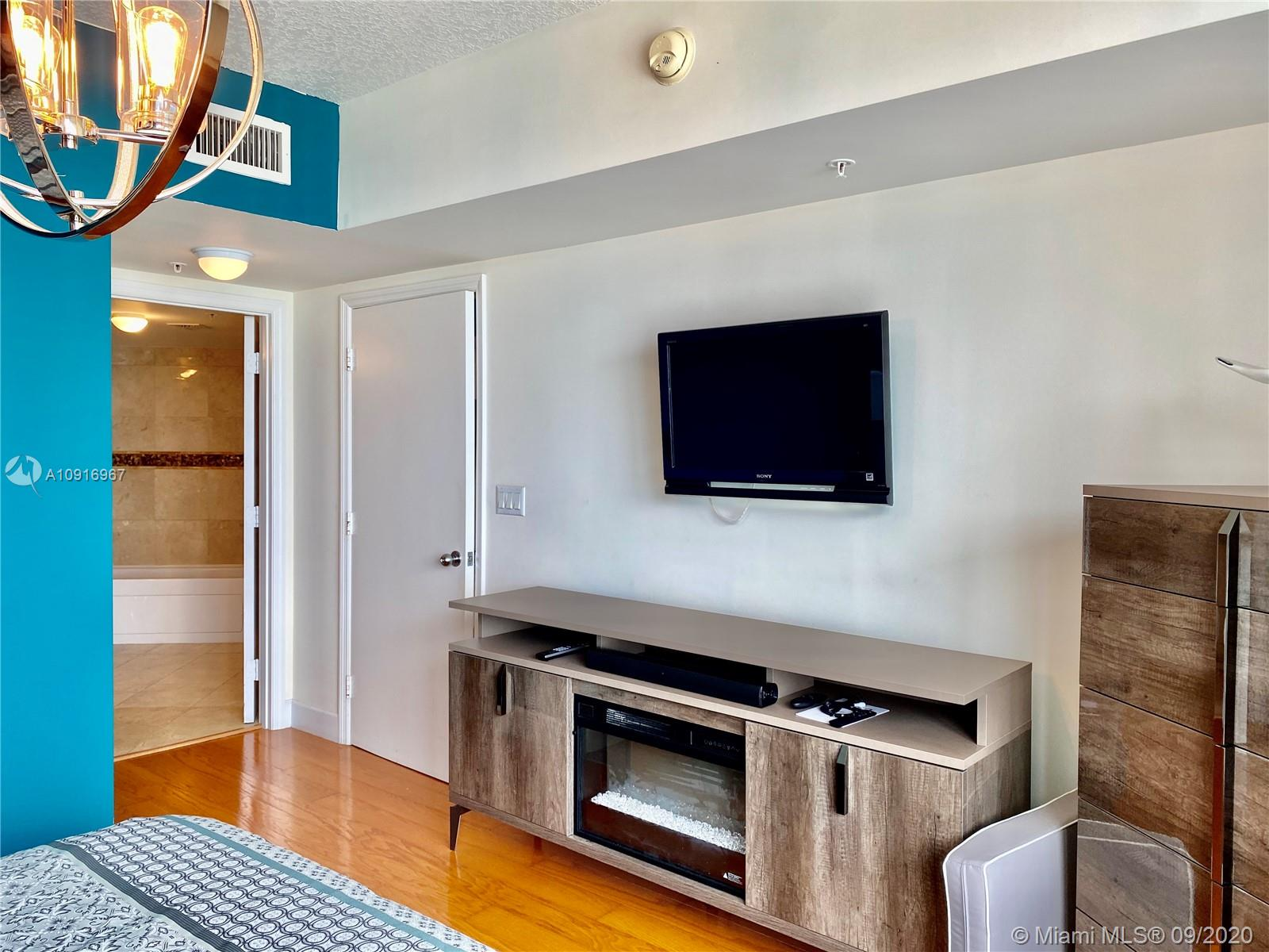 Photo of 16699 Collins Ave #2510 listing for Sale