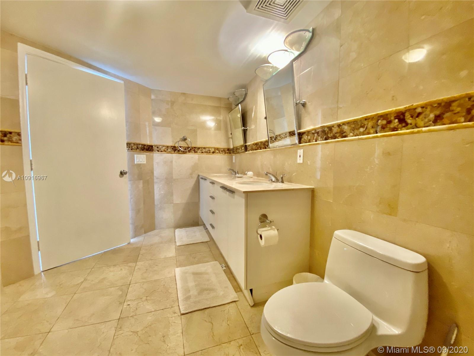 16699 Collins Ave #2510 photo020