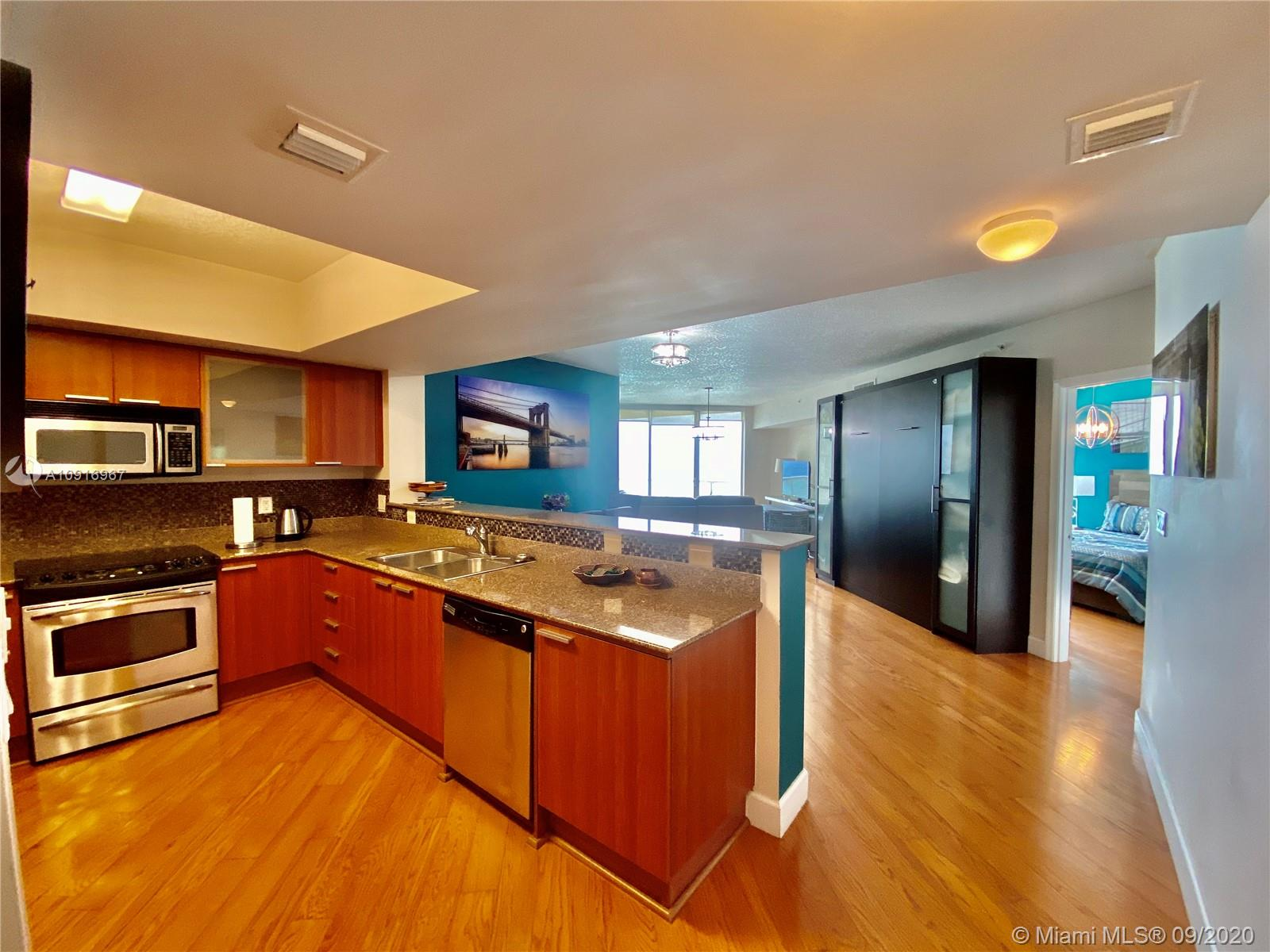 16699 Collins Ave #2510 photo09